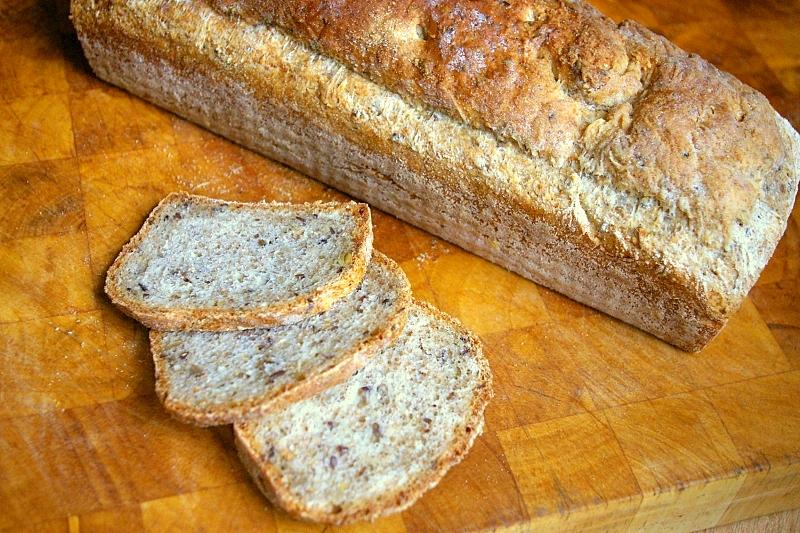 Chleb pełen ziaren hewps.pl Dietetyczny Blog Kulinarny