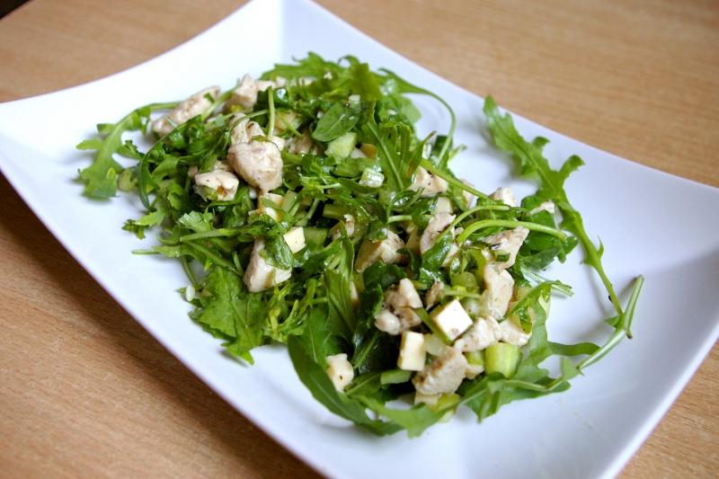 Blog kulinarny - Dietetyczne przepisy - Sałatki z rukoli z kurczakiem