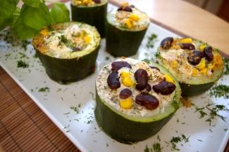 Blog kulinarny, Dietetyczne przepisy - Nadziewana cukinia gotowana na parze