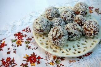 Blog kulinarny - Dietetyczne przepisy - Dietetyczne kulki czekoladowe - Rafaello
