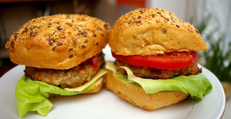 Dietetyczne przepisy - Blog Kulinarny - Dietetyczne burgery wołowe