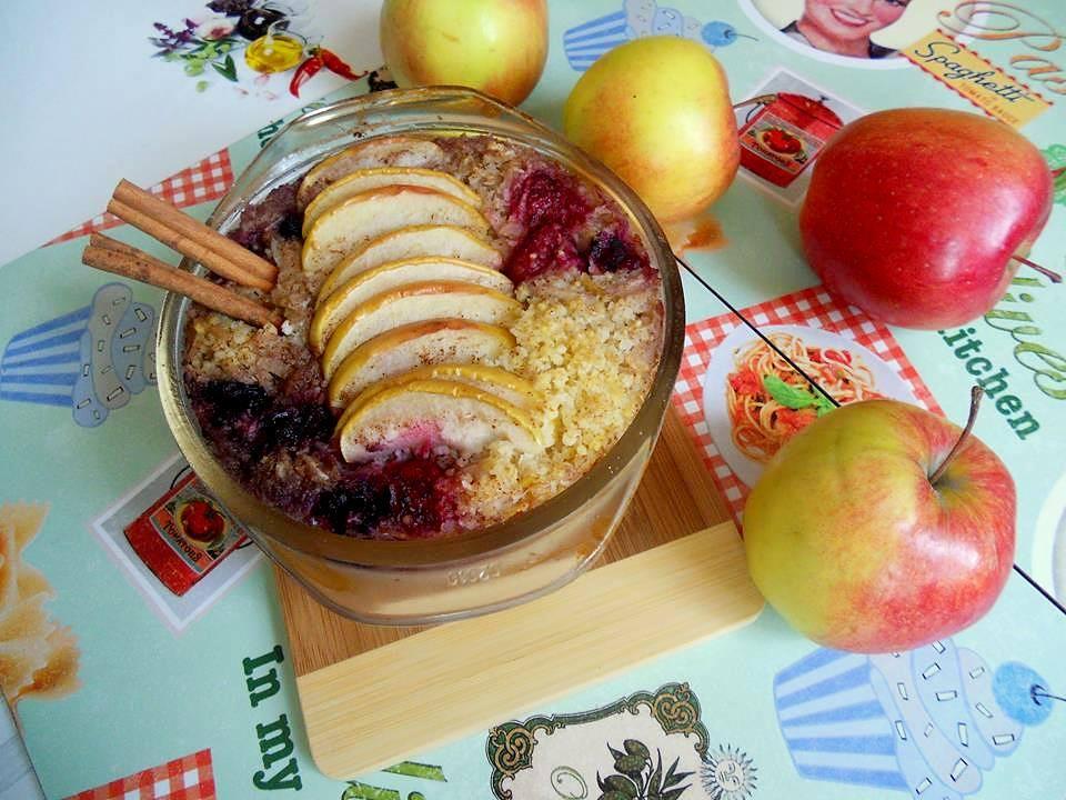 Jaglanka z jabłkami, malinami i borówkami #jedzjabłka