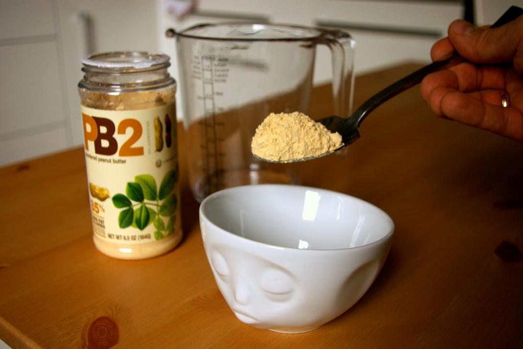 Jak przygotować odtłuszczone masło orzechowe PB2