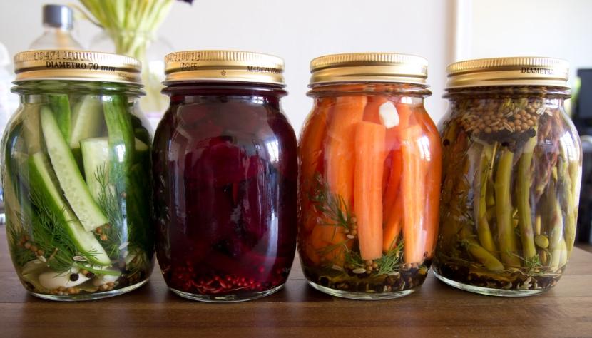Dlaczego warto pić soki z kiszonych warzyw