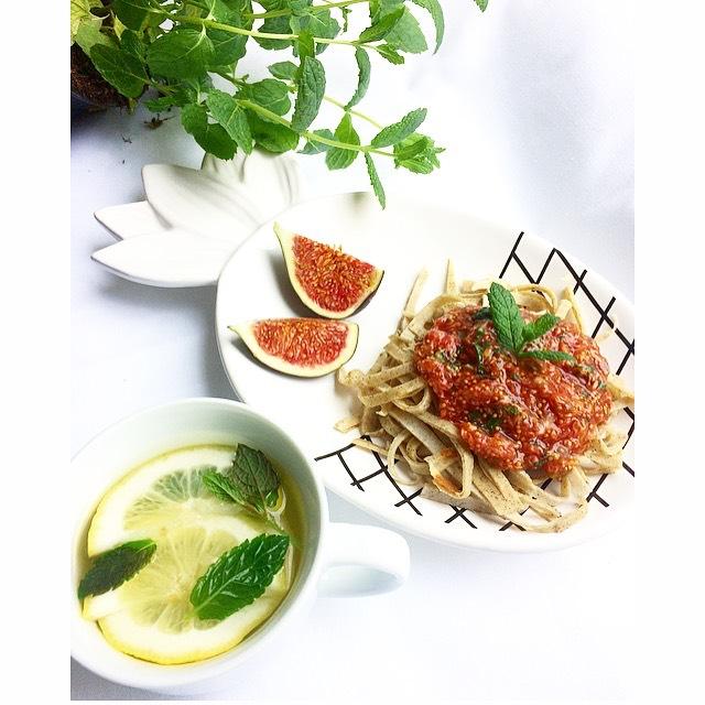 Spaghetti naleśnikowe z sosem figowym