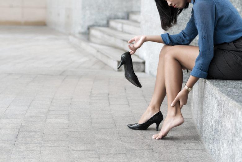 Skurcze nóg – problem osób aktywnych i nie tylko