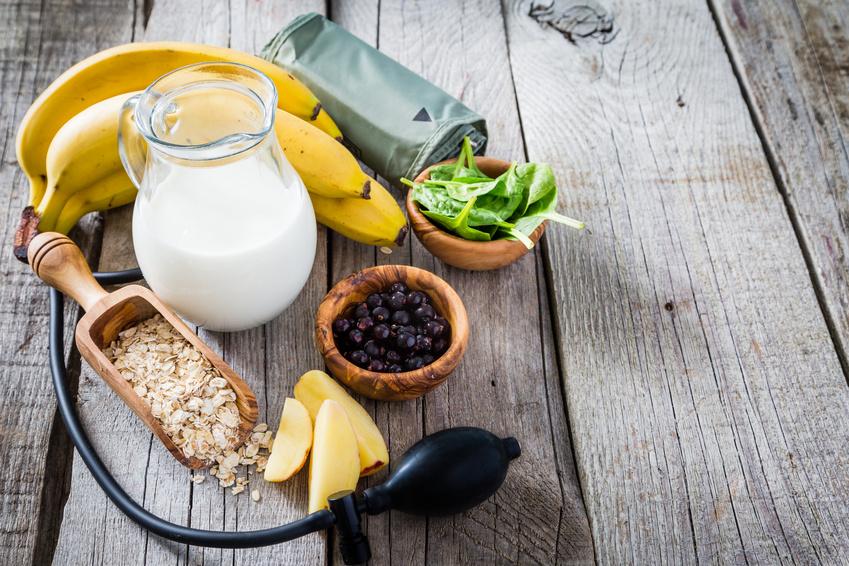 Jakie produkty spożywać, by obniżyć ciśnienie krwi?